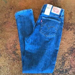 {Levi's} 721 High-Rise Skinny Jeans. 32 x 30. NWT.